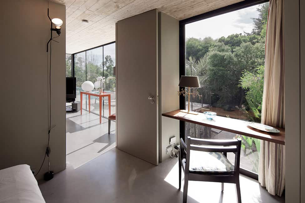Bold Concrete and Glass Composition in a Private Saint-Tropez Residence (14)