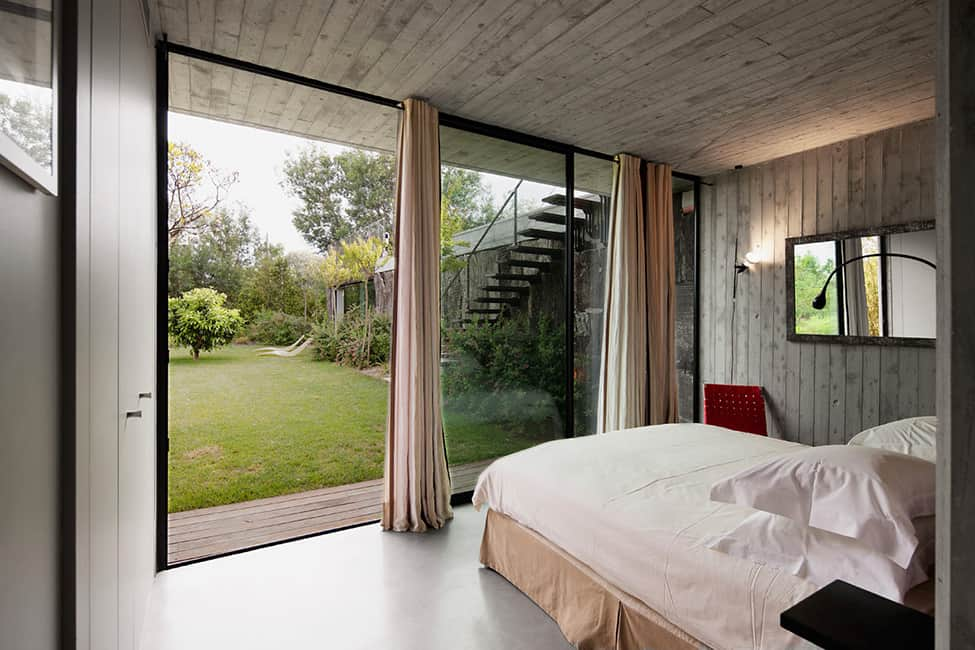 Bold Concrete and Glass Composition in a Private Saint-Tropez Residence (16)