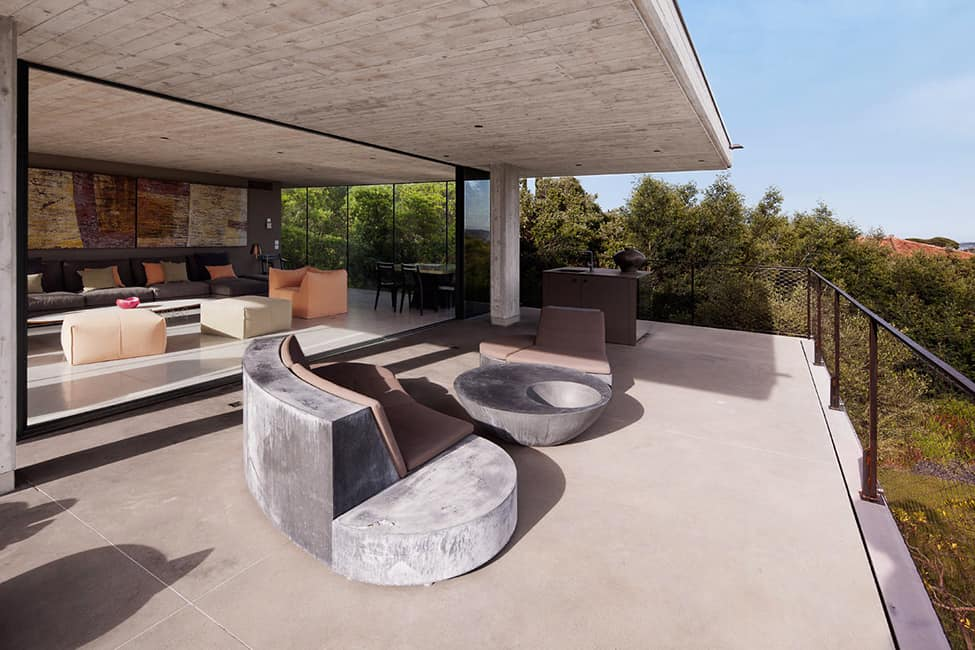 Bold Concrete and Glass Composition in a Private Saint-Tropez Residence (5)