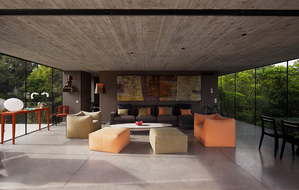 Bold Concrete and Glass Composition in a Private Saint-Tropez Residence (7)