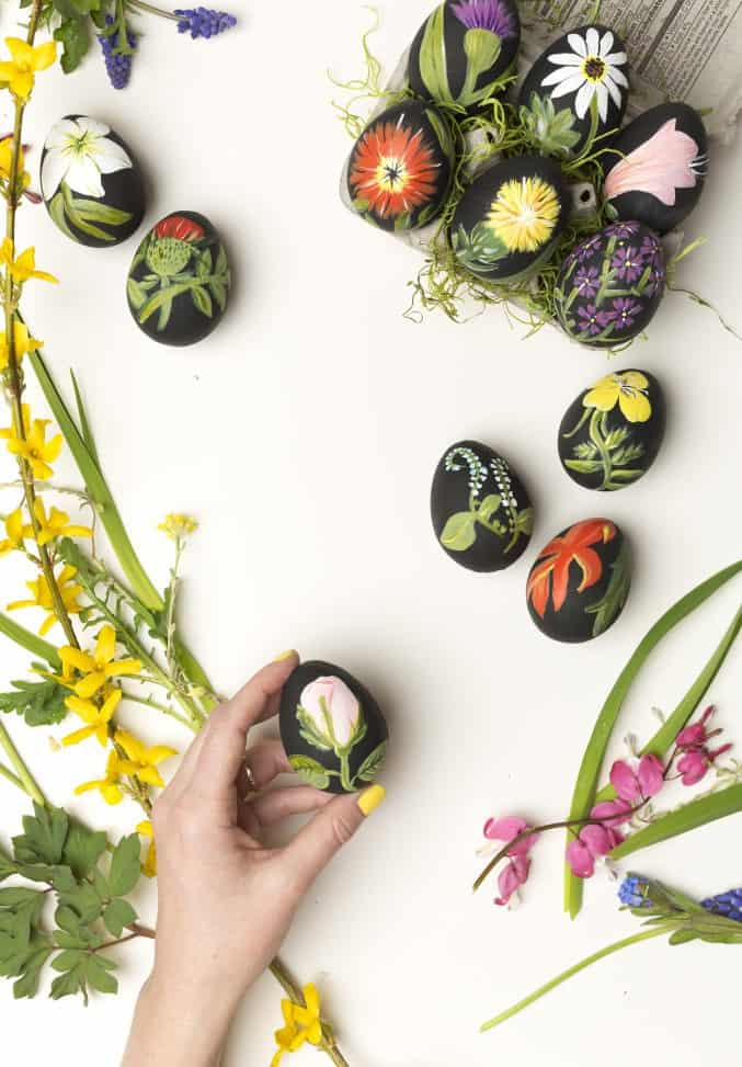 11. botanical Easter eggs decorating