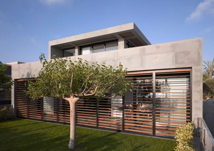 Concrete Beach Home in Israel Designed by Pitsou Kedem Architect homesthetics 1