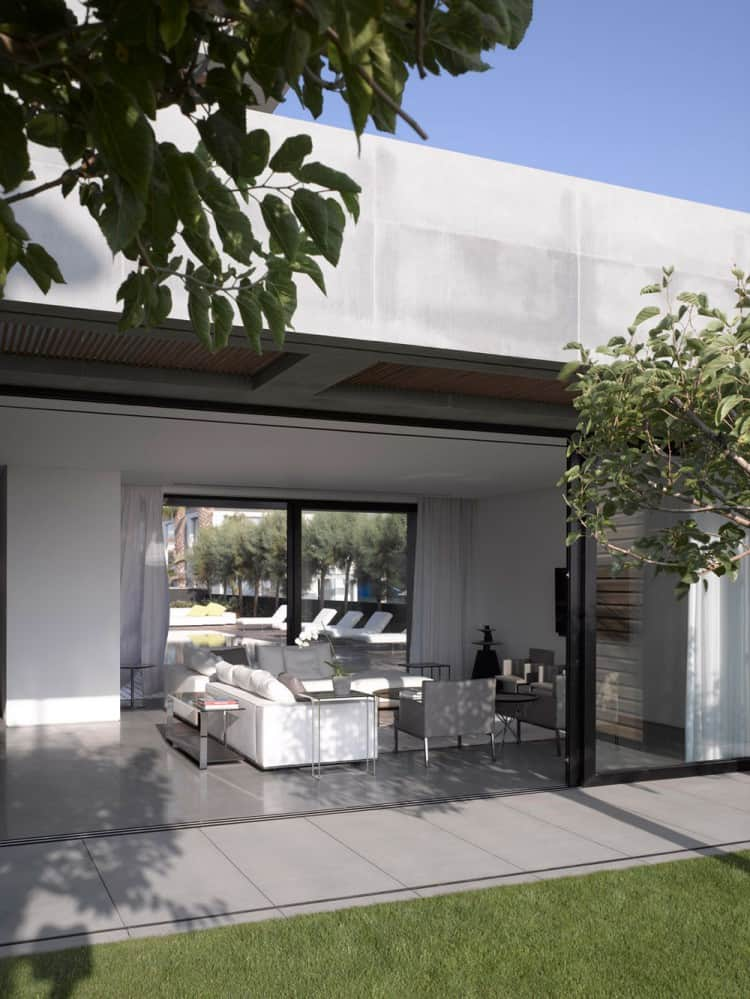 Concrete Beach Home in Israel Designed by Pitsou Kedem Architect homesthetics (10)