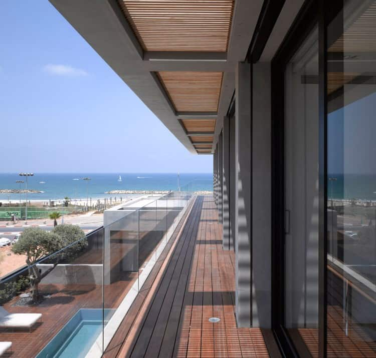 Concrete Beach Home in Israel Designed by Pitsou Kedem Architect homesthetics (14)