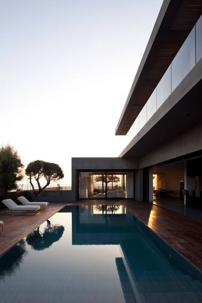 Concrete Beach Home in Israel Designed by Pitsou Kedem Architect homesthetics (16)