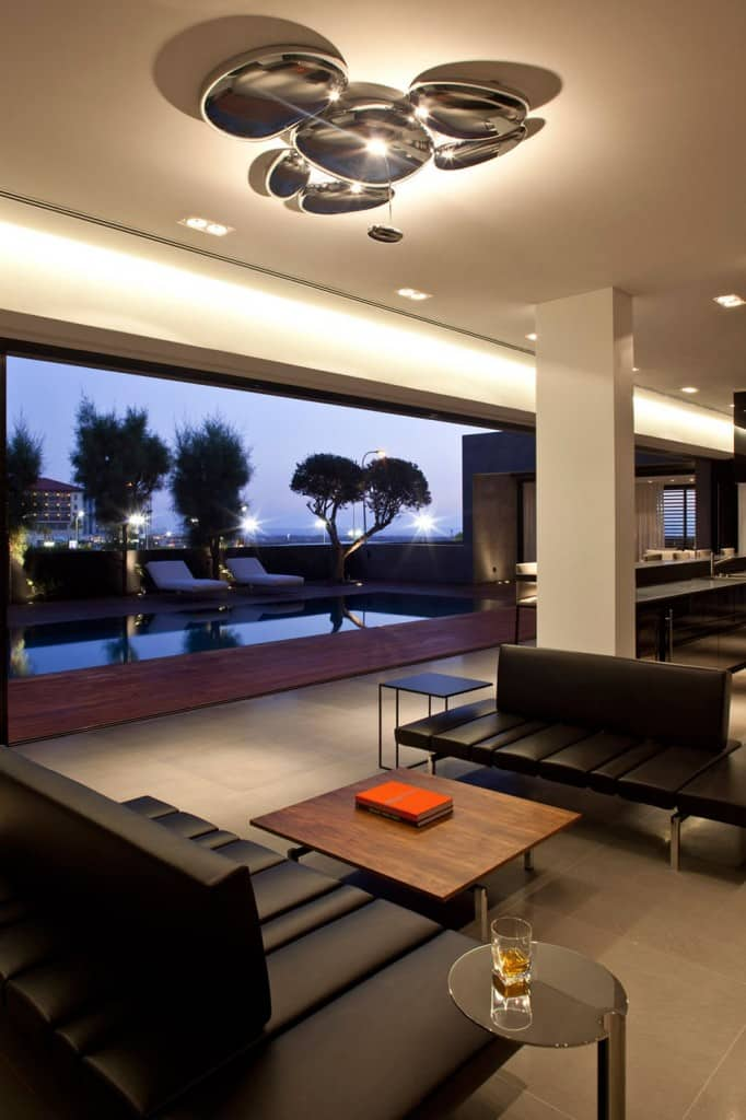 Concrete Beach Home in Israel Designed by Pitsou Kedem Architect homesthetics (17)