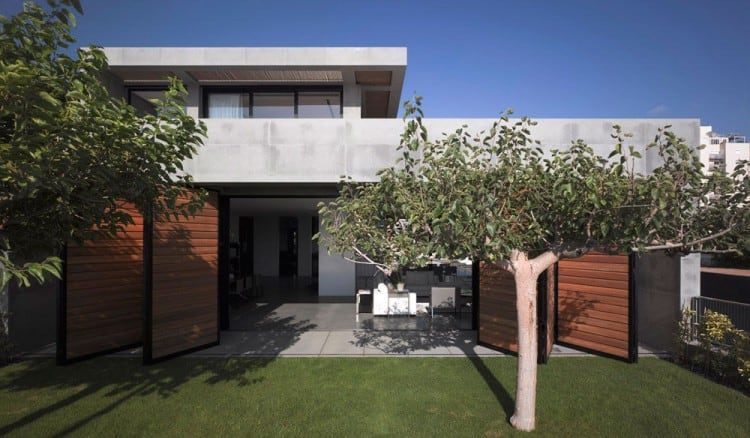 Concrete Beach Home in Israel Designed by Pitsou Kedem Architect homesthetics (4)