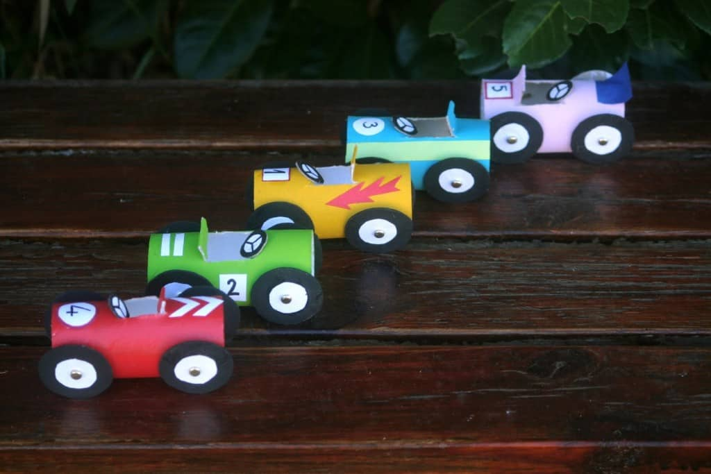 COLORFUL PAPER ROLL CARS FOR YOUR KID