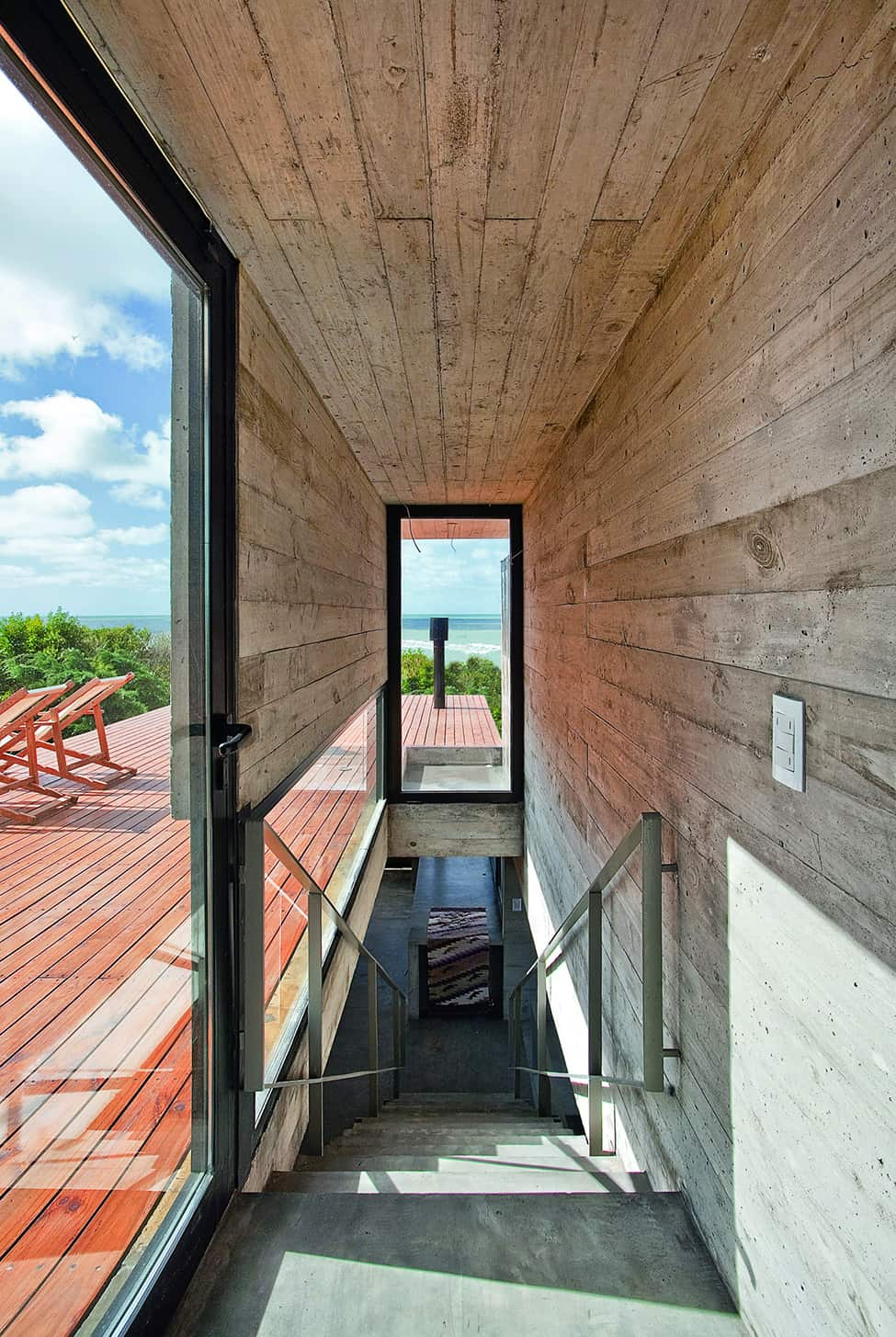 Industrial Aesthetic Values in a Beach Home by BAK Architects (10)