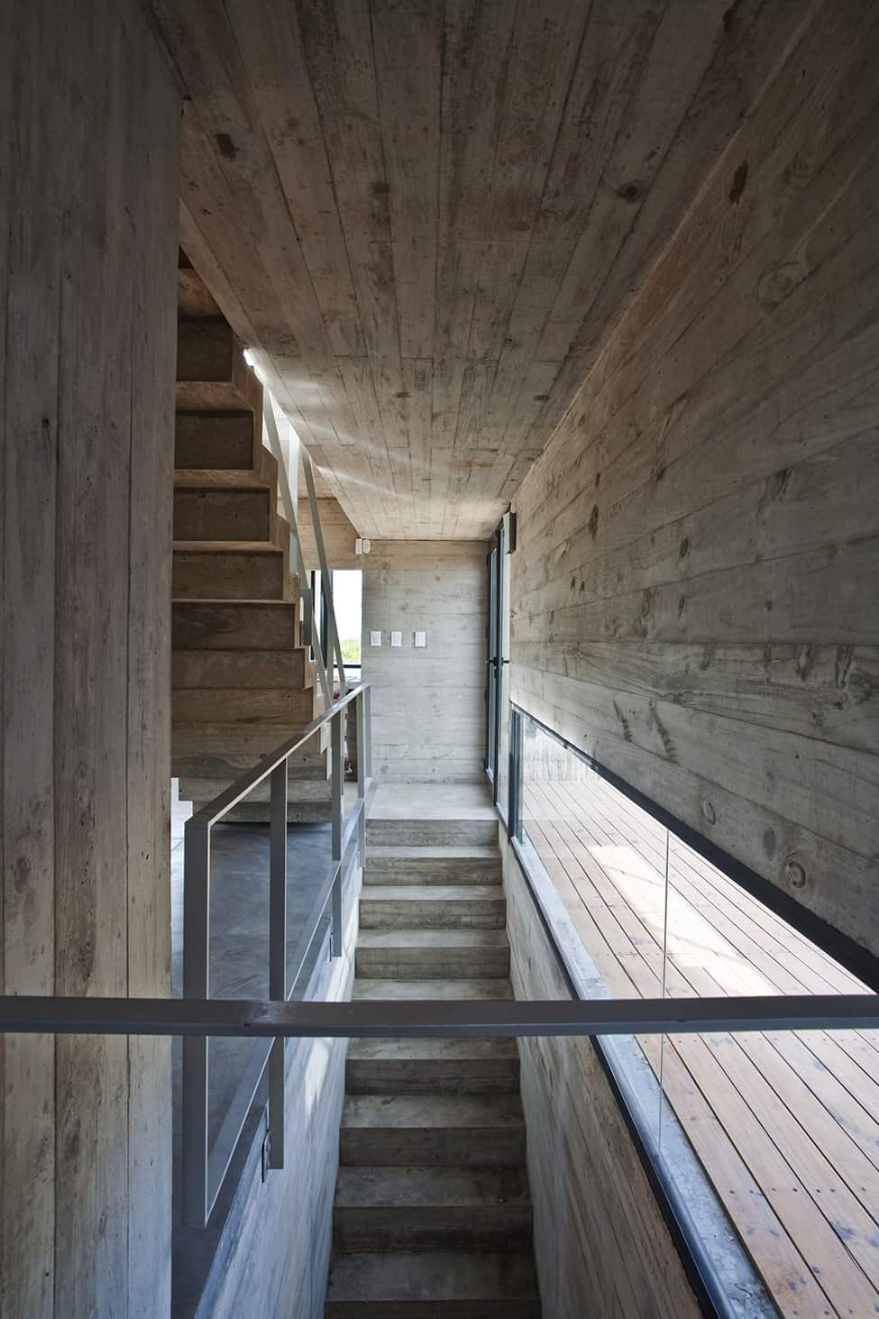 Industrial Aesthetic Values in a Beach Home by BAK Architects (23)
