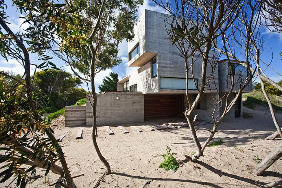 Industrial Aesthetic Values in a Beach Home by BAK Architects (28)