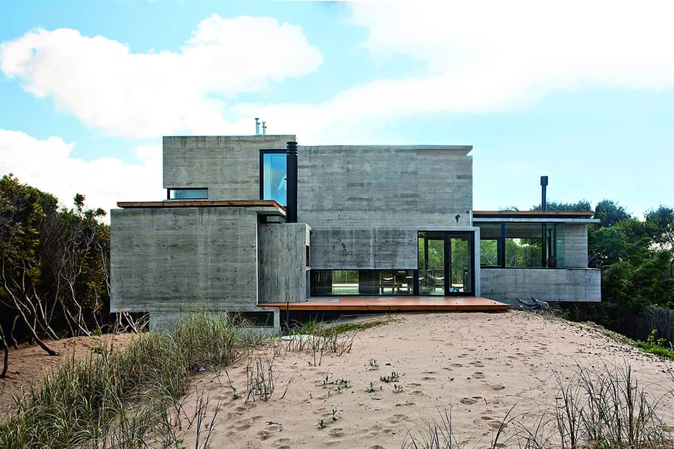 Industrial Aesthetic Values in a Beach Home by BAK Architects (29)