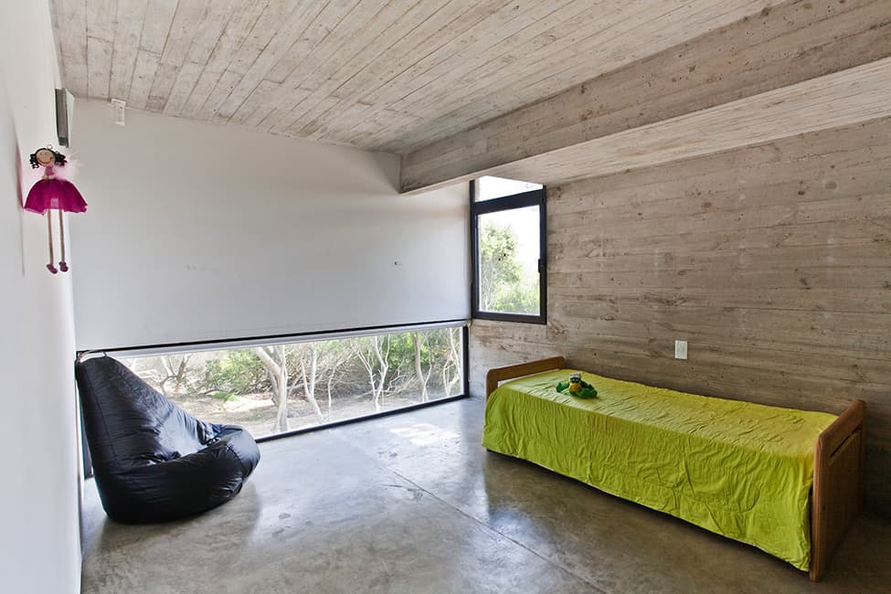 Industrial Aesthetic Values in a Beach Home by BAK Architects (4)