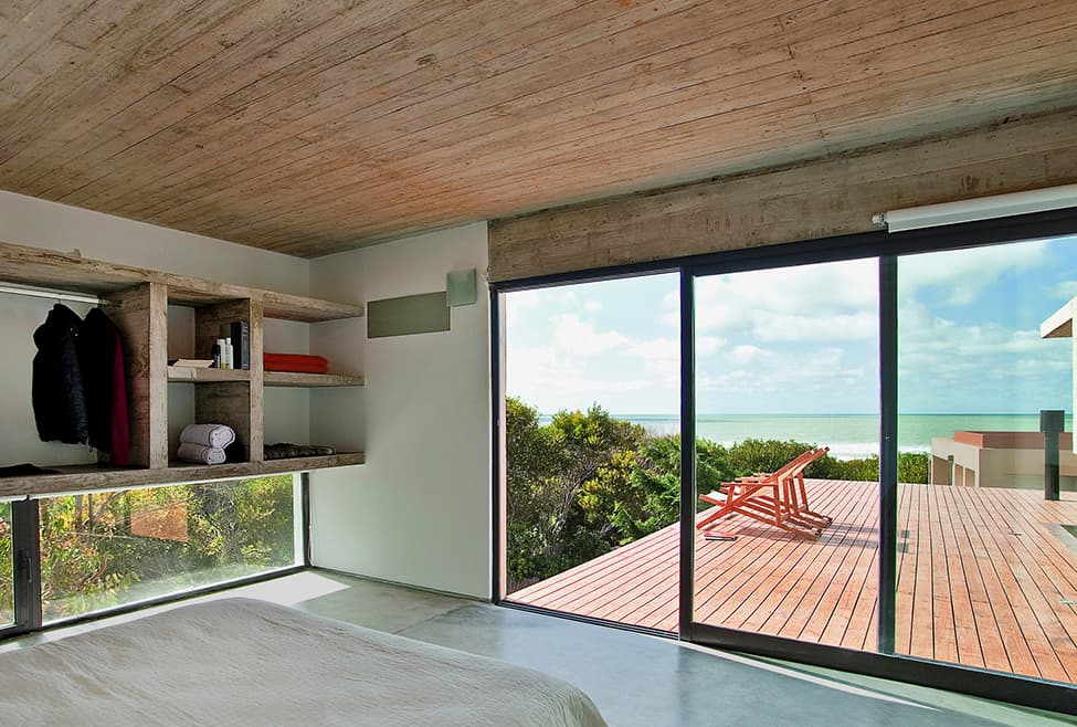 Industrial Aesthetic Values in a Beach Home by BAK Architects (7)