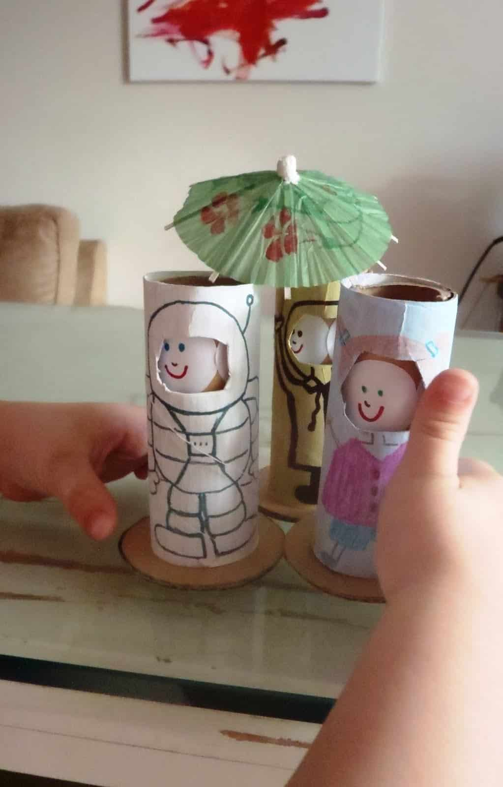 TOILET PAPER ROLL DOLL THAT MAKES FACES