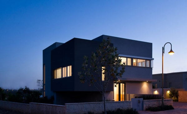 Simple Modern Home in Israel by Sharon Neuman Architects (17)