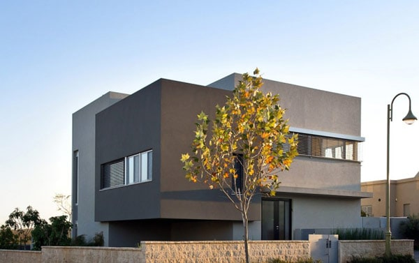 Simple Modern Home in Israel by Sharon Neuman Architects (2)