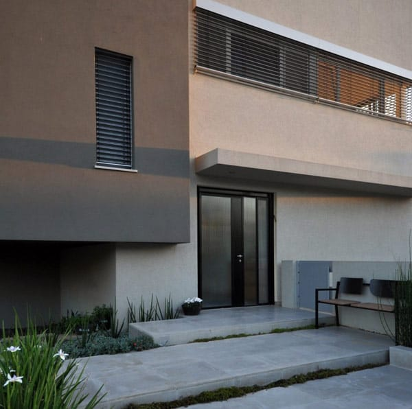 Simple Modern Home in Israel by Sharon Neuman Architects (4)