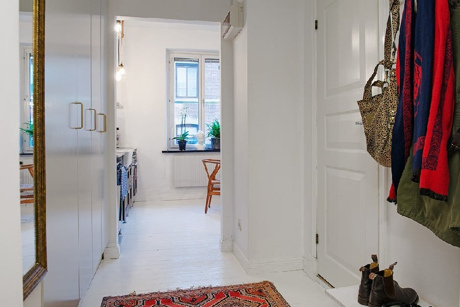 Small Apartment in Sweden Boasting Style And Character homesthetics (9)