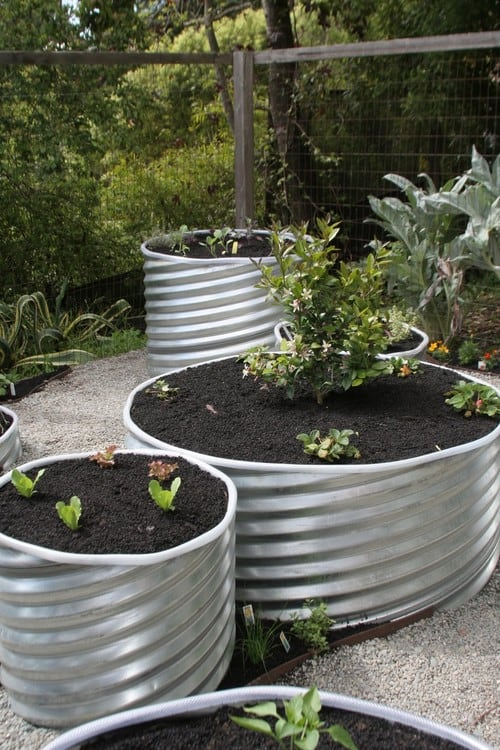 Start A Spring Graden With DIY Raised Garden