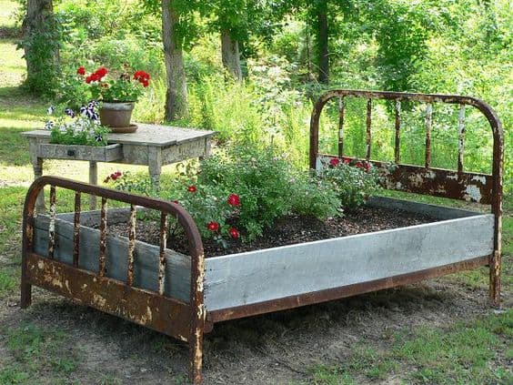 Start a spring garden with diy raised garden beds for Diy patio bed