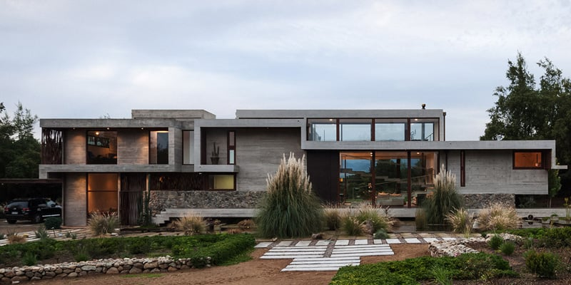 Stunning Concrete Home In Chile by Chauriye Stäger Architects (3)