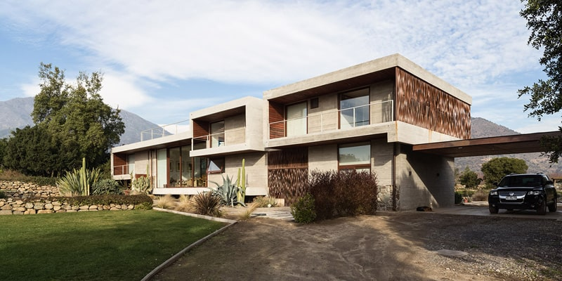 Stunning Concrete Home In Chile by Chauriye Stäger Architects (4)