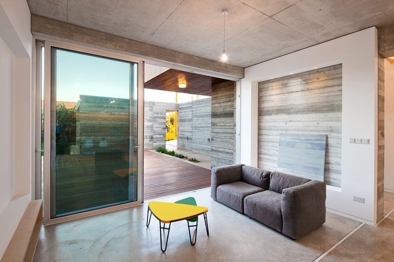 Superb Concrete Home Nestled in Banana Plantation by Vardastudio Architects (9)