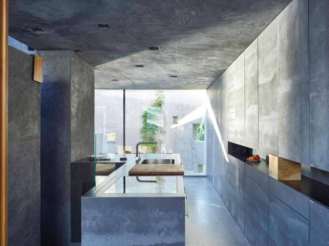 Tiny Bunker Home Transformed Into a Mesmerizing Refuge (10)