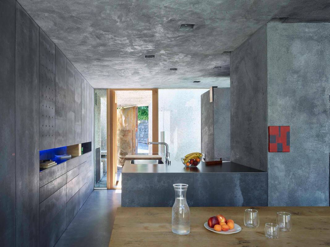 Tiny Bunker Home Transformed Into a Mesmerizing Refuge (11)