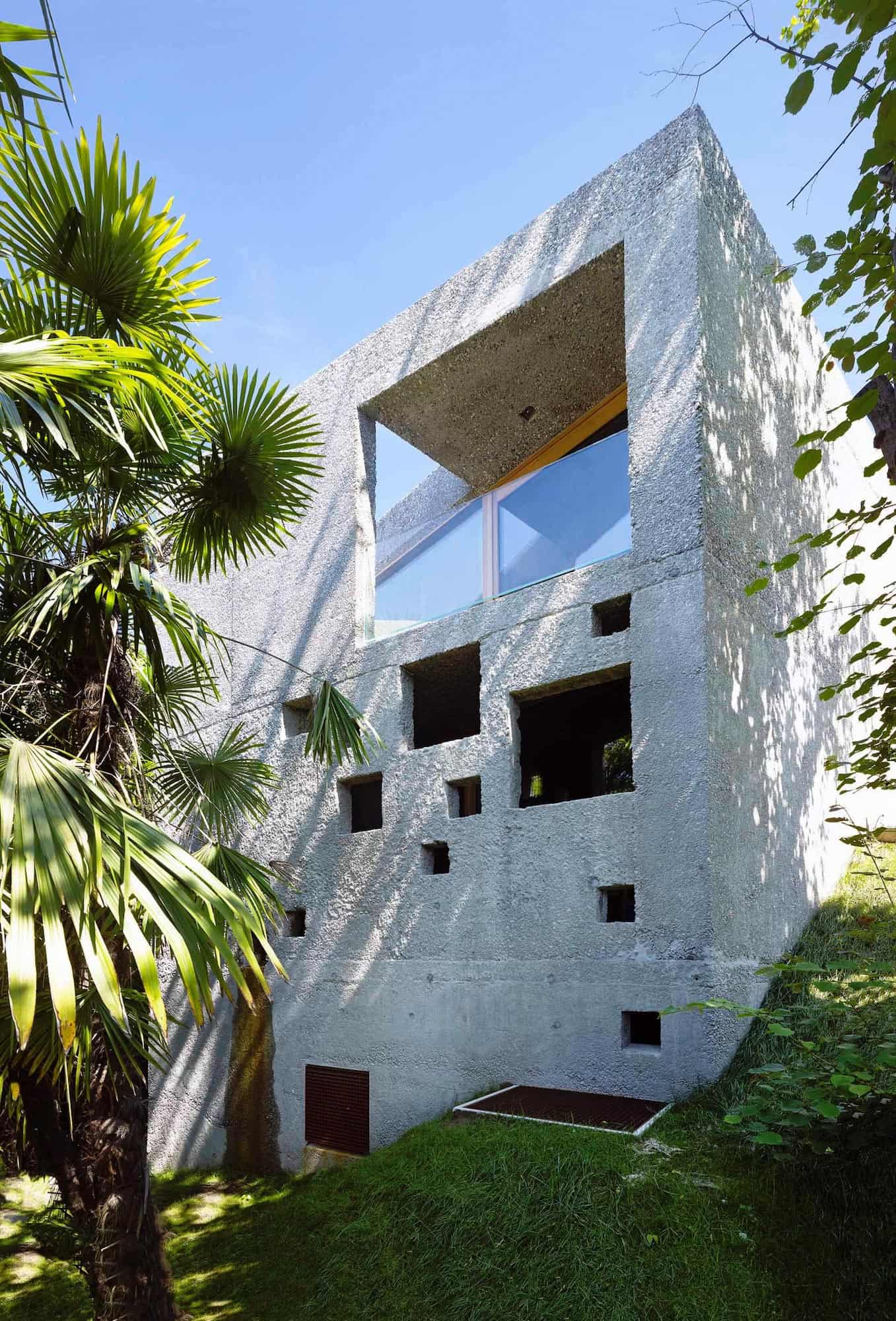 Tiny Bunker Home Transformed Into a Mesmerizing Refuge (6)