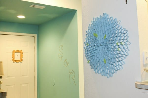 TOILET PAPER WALL ART - FLOWER