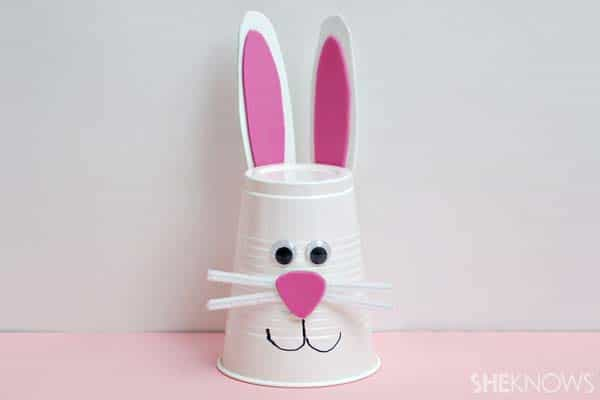 A plastic cup can be transformed into an Easter bunny