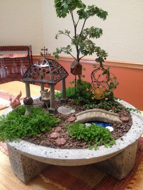 16 Do-It-Yourself Fairy Garden Ideas For Kids (13)