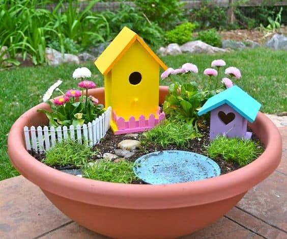 16 Do-It-Yourself Fairy Garden Ideas For Kids (16)