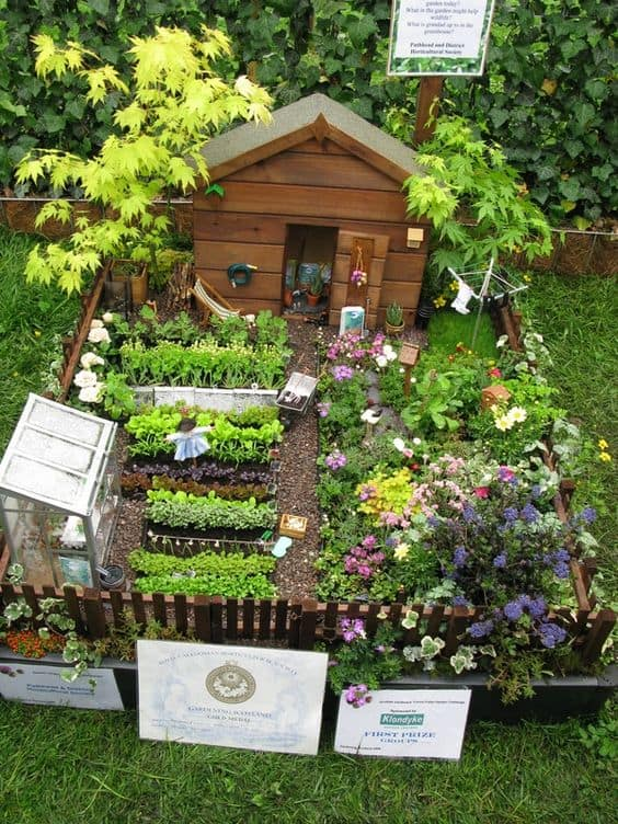 16 Do-It-Yourself Fairy Garden Ideas For Kids (3)