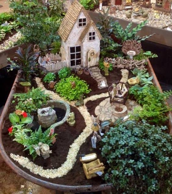 16 Do-It-Yourself Fairy Garden Ideas For Kids (4)