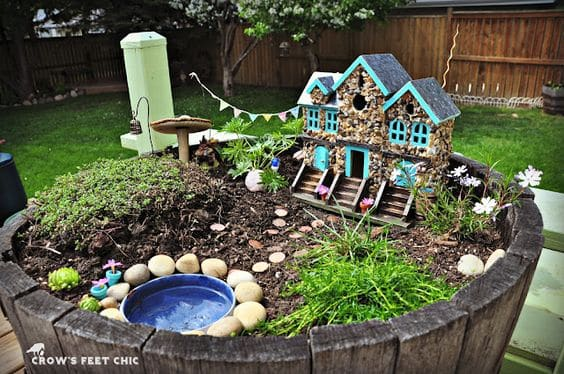 16 Do-It-Yourself Fairy Garden Ideas For Kids (6)