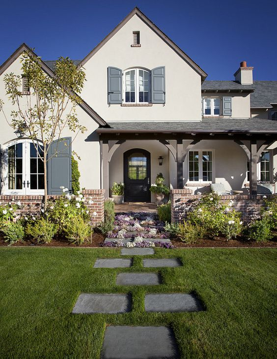 17 Curb Appeal Ideas To Enhance and Draw Attention To The Front Of Any Home (17)
