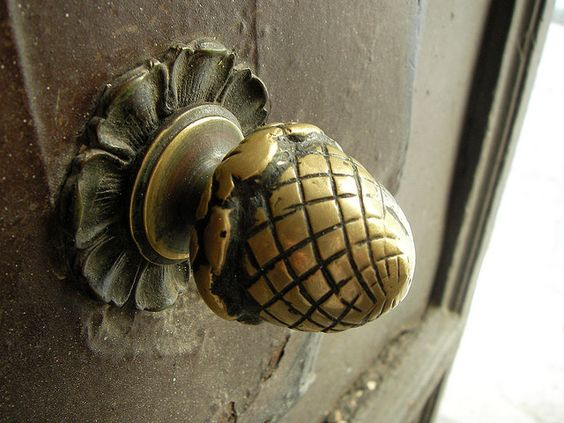 Unique And Interesting Door Knobs For An Appealing Front Door