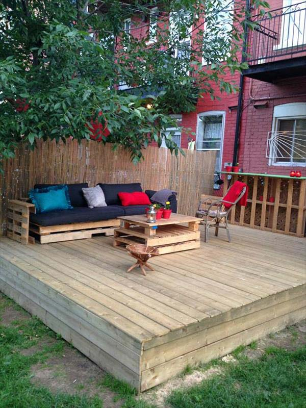 15 stunning low budget floating deck ideas for your home for Simple platform deck plans