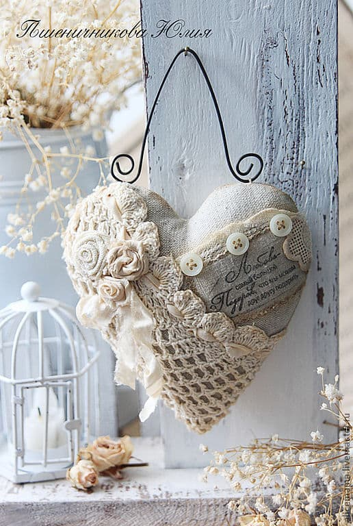 Beautiful DIY Heart Crafts For The Romantic In You-homesthetics (15)