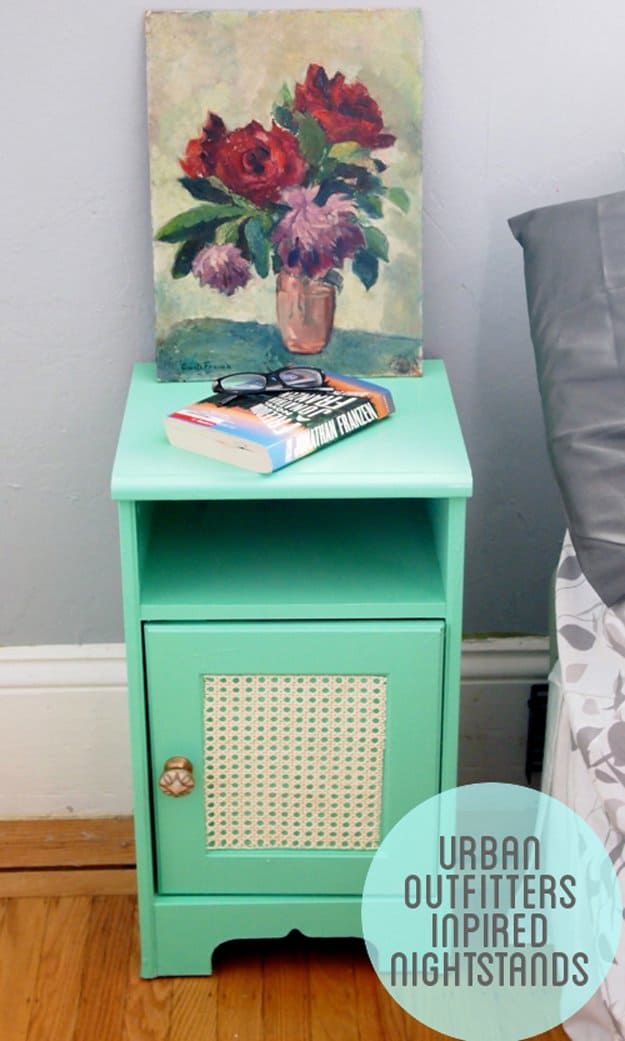 19 Simply Brilliant Cheap DIY Nightstand Ideas homesthetics decor (3)