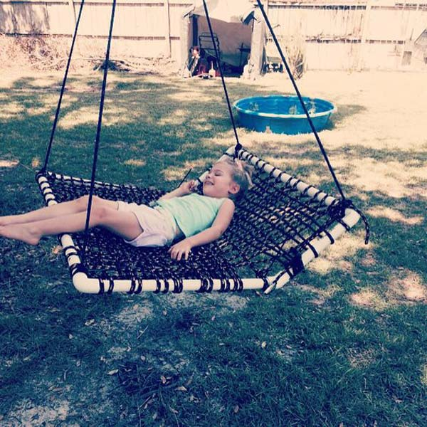 6. ENJOY THE OUTDOORS ON A SWING WEAVED ON PVC TUBE