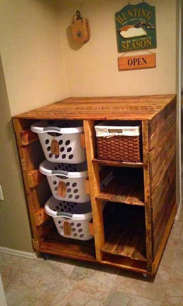 19. CREATE A LAUNDRY STATION OUT OF WOODEN PALLETS