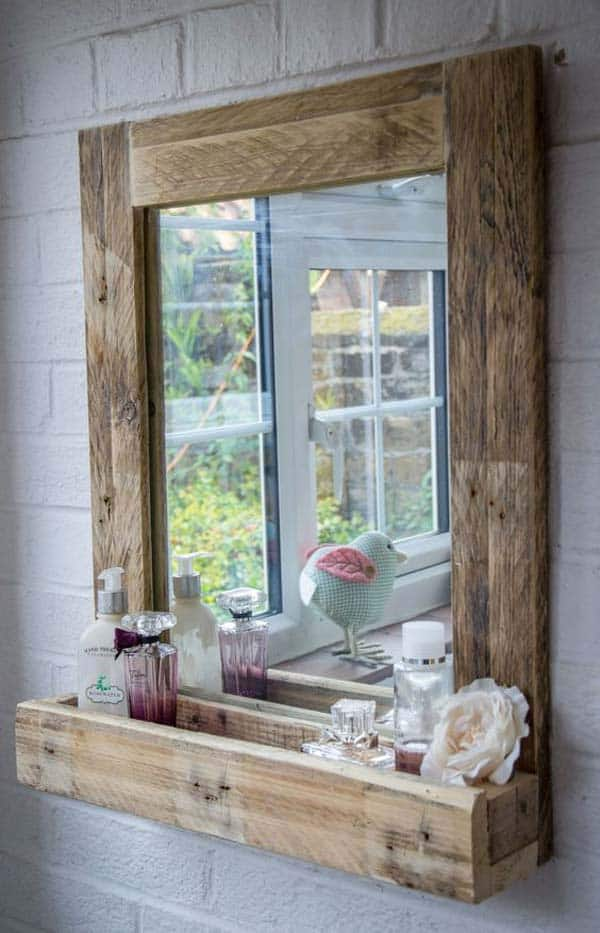 27 beautiful diy bathroom pallet projects for a rustic for Miroir youtubeuse
