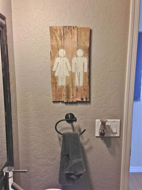 24. BEAUTIFUL AND INEXPENSIVE WAY TO SIGNAL THE BATHROOM