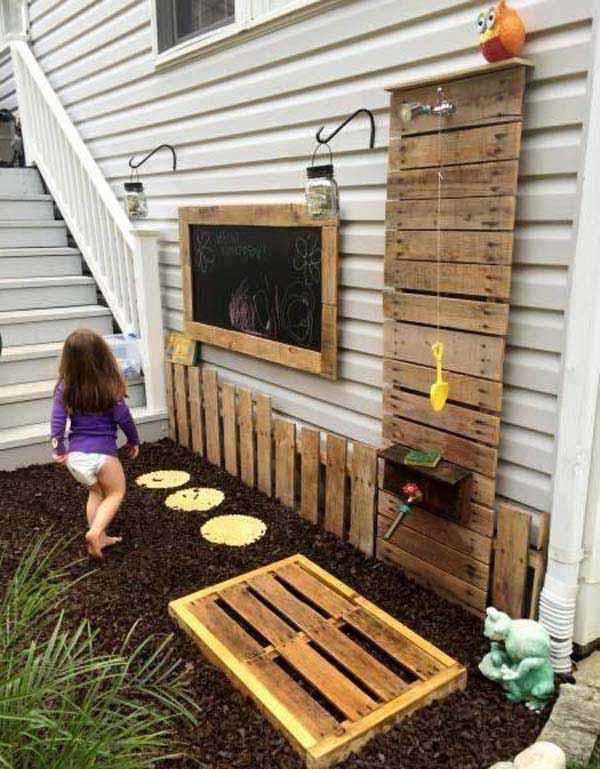 26. OUTDOOR SHOWER - PLAY ARENA TAILORED WITH WOOD