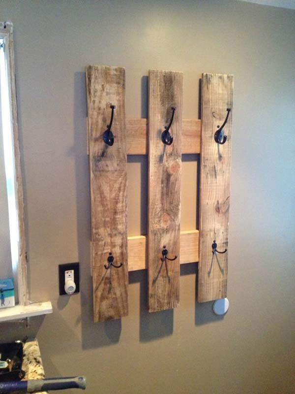 9. BUILD A SWIFT COZY RACK OUT OF PALLETS