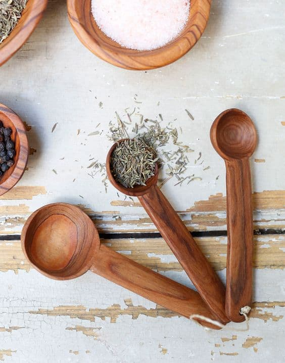 28 Delicate Beautiful Wooden Kitchen Utensils-homesthetics (1)